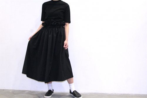 <img class='new_mark_img1' src='//img.shop-pro.jp/img/new/icons47.gif' style='border:none;display:inline;margin:0px;padding:0px;width:auto;' />Natsumi Zama /Gathered Stretch Skirt(BLACK)