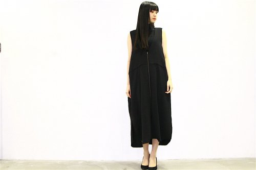 <img class='new_mark_img1' src='//img.shop-pro.jp/img/new/icons2.gif' style='border:none;display:inline;margin:0px;padding:0px;width:auto;' />Natsumi Zama /Sun & Shade Dress(BLACK)