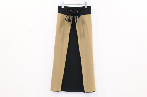 <img class='new_mark_img1' src='//img.shop-pro.jp/img/new/icons47.gif' style='border:none;display:inline;margin:0px;padding:0px;width:auto;' />TAN / COLOR COMBI APRON(CAMEL×BLACK)