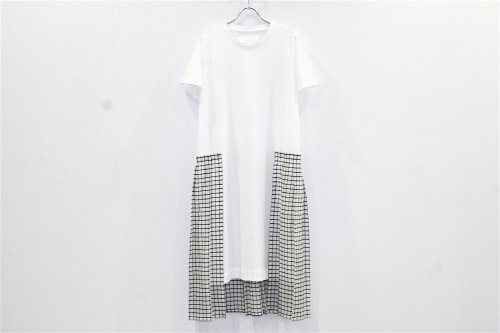 <img class='new_mark_img1' src='//img.shop-pro.jp/img/new/icons2.gif' style='border:none;display:inline;margin:0px;padding:0px;width:auto;' />Natsumi Zama /White Line T-shirt Dress(WHITE)
