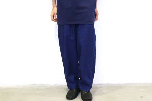 house of the very island's... / LOOSE CUT TROUSERS WITH DEEP PLEATS(DARK BLUE)