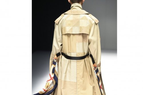 <img class='new_mark_img1' src='//img.shop-pro.jp/img/new/icons47.gif' style='border:none;display:inline;margin:0px;padding:0px;width:auto;' />Children of the discordance /VINTAGE PATCH TRENCH COAT(BEIGE)