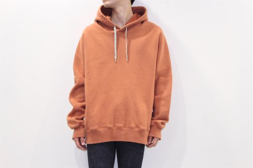 <img class='new_mark_img1' src='//img.shop-pro.jp/img/new/icons2.gif' style='border:none;display:inline;margin:0px;padding:0px;width:auto;' />ATELIER BÉTON / OVERSIZED HOODIE(ORANGE)