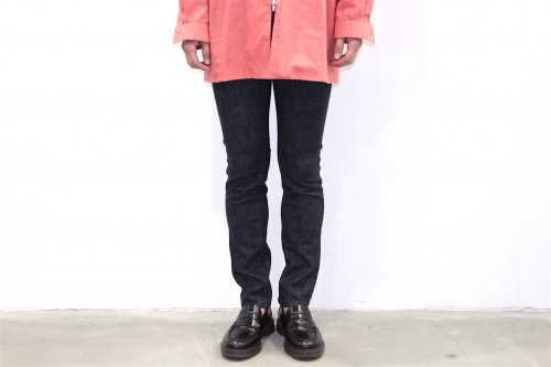 <img class='new_mark_img1' src='//img.shop-pro.jp/img/new/icons20.gif' style='border:none;display:inline;margin:0px;padding:0px;width:auto;' />esgrey / skinny jeans(BLUE)