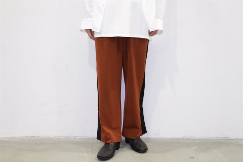 <img class='new_mark_img1' src='//img.shop-pro.jp/img/new/icons47.gif' style='border:none;display:inline;margin:0px;padding:0px;width:auto;' />THEE / esay slit pants.(BROWN×BLACK)
