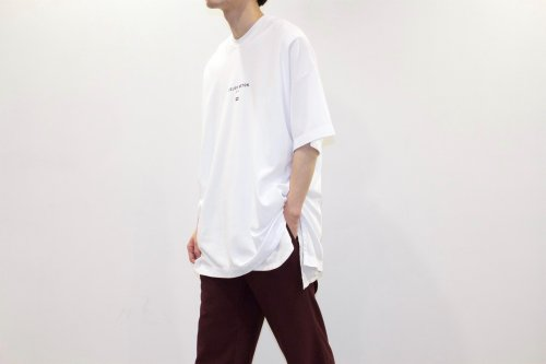 <img class='new_mark_img1' src='https://img.shop-pro.jp/img/new/icons47.gif' style='border:none;display:inline;margin:0px;padding:0px;width:auto;' />ATELIER BÉTON / OVERSIZED TEE(WHITE)