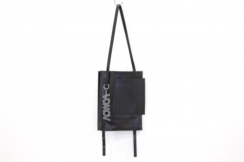 <img class='new_mark_img1' src='//img.shop-pro.jp/img/new/icons47.gif' style='border:none;display:inline;margin:0px;padding:0px;width:auto;' />VOAAOV / lether shoulder bag(BLACK)