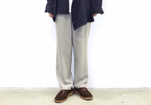 <img class='new_mark_img1' src='//img.shop-pro.jp/img/new/icons47.gif' style='border:none;display:inline;margin:0px;padding:0px;width:auto;' />THEE / Hi waist easy slacks.(GREIGE)