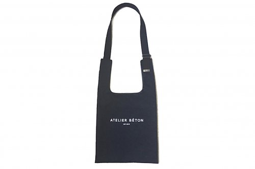 <img class='new_mark_img1' src='//img.shop-pro.jp/img/new/icons2.gif' style='border:none;display:inline;margin:0px;padding:0px;width:auto;' />ATELIER BÉTON / SHOULDER MARKET BAG(BLACK・MEDIUM)
