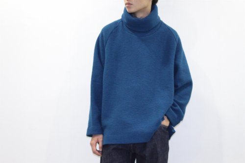 <img class='new_mark_img1' src='//img.shop-pro.jp/img/new/icons2.gif' style='border:none;display:inline;margin:0px;padding:0px;width:auto;' />VOAAOV /HI-NECK BIG KNIT(BLUE)