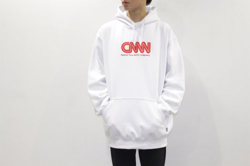 <img class='new_mark_img1' src='//img.shop-pro.jp/img/new/icons2.gif' style='border:none;display:inline;margin:0px;padding:0px;width:auto;' />cobachi / CNNN print PULLOVER PARKA(WHITE)
