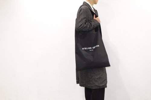 <img class='new_mark_img1' src='https://img.shop-pro.jp/img/new/icons47.gif' style='border:none;display:inline;margin:0px;padding:0px;width:auto;' />ATELIER BÉTON / SHOULDER MARKET BAG(BLACK・OVERSIZE)