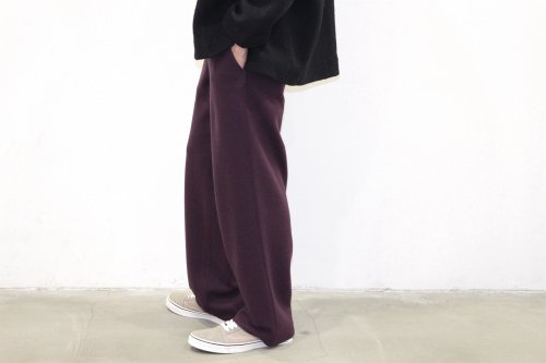 <img class='new_mark_img1' src='//img.shop-pro.jp/img/new/icons47.gif' style='border:none;display:inline;margin:0px;padding:0px;width:auto;' />THEE / wool jersey Hi waist slacks.(PURPLE)