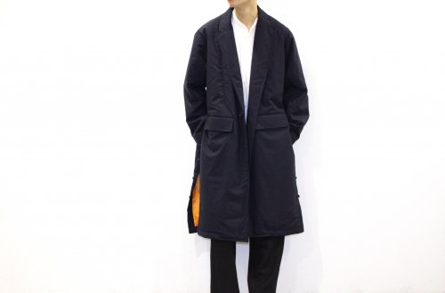 <img class='new_mark_img1' src='//img.shop-pro.jp/img/new/icons47.gif' style='border:none;display:inline;margin:0px;padding:0px;width:auto;' />THEE / padded gown coat.(NAVY)