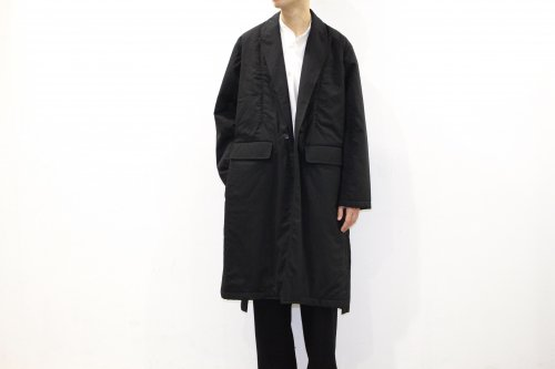 <img class='new_mark_img1' src='//img.shop-pro.jp/img/new/icons47.gif' style='border:none;display:inline;margin:0px;padding:0px;width:auto;' />THEE / padded gown coat.(BLACK)