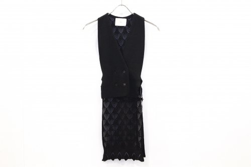 <img class='new_mark_img1' src='https://img.shop-pro.jp/img/new/icons47.gif' style='border:none;display:inline;margin:0px;padding:0px;width:auto;' />TAN / LACY VEST(BLACK)