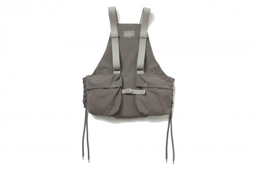 <img class='new_mark_img1' src='https://img.shop-pro.jp/img/new/icons47.gif' style='border:none;display:inline;margin:0px;padding:0px;width:auto;' />ATELIER BÉTON / FUNCTIONAL TOOL VEST(SMOKE GRAY)