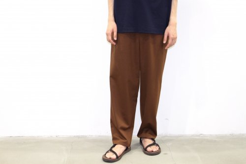 <img class='new_mark_img1' src='//img.shop-pro.jp/img/new/icons59.gif' style='border:none;display:inline;margin:0px;padding:0px;width:auto;' />THEE / Hi waist easy slacks.(BROWN)