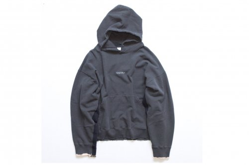 <img class='new_mark_img1' src='https://img.shop-pro.jp/img/new/icons47.gif' style='border:none;display:inline;margin:0px;padding:0px;width:auto;' />stein / OVERSIZED REBUILD SWEAT HOODED(CHARCOAL)
