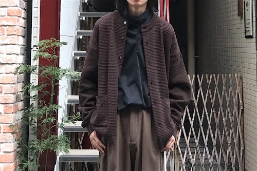 <img class='new_mark_img1' src='https://img.shop-pro.jp/img/new/icons47.gif' style='border:none;display:inline;margin:0px;padding:0px;width:auto;' />YASHIKI / Komogake Cardigan(BROWN)