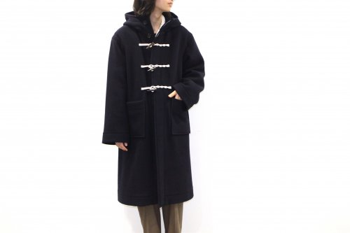 <img class='new_mark_img1' src='https://img.shop-pro.jp/img/new/icons47.gif' style='border:none;display:inline;margin:0px;padding:0px;width:auto;' />ATHA / DOUBLE MELTON DUFFLE COAT(NAVY)