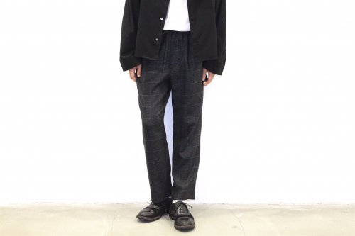 <img class='new_mark_img1' src='//img.shop-pro.jp/img/new/icons47.gif' style='border:none;display:inline;margin:0px;padding:0px;width:auto;' />THEE / Hi waist easy slacks.(BLACK CHECK)