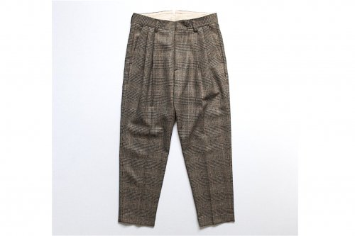 <img class='new_mark_img1' src='https://img.shop-pro.jp/img/new/icons47.gif' style='border:none;display:inline;margin:0px;padding:0px;width:auto;' />stein / TWO TUCK WIDE TROUSERS(WINDOW PEN)