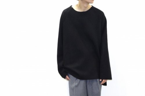 <img class='new_mark_img1' src='https://img.shop-pro.jp/img/new/icons47.gif' style='border:none;display:inline;margin:0px;padding:0px;width:auto;' />VOAAOV / CREW-NECK BIG KNIT(BLACK)