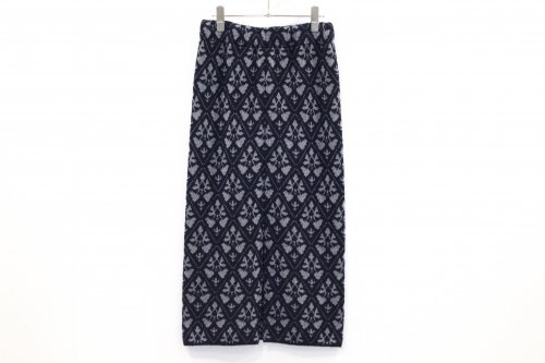<img class='new_mark_img1' src='https://img.shop-pro.jp/img/new/icons47.gif' style='border:none;display:inline;margin:0px;padding:0px;width:auto;' />TAN / DAMASK PATTERN SKIRT(NAVY)