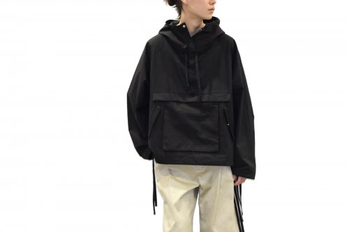 <img class='new_mark_img1' src='https://img.shop-pro.jp/img/new/icons47.gif' style='border:none;display:inline;margin:0px;padding:0px;width:auto;' />VOAAOV / BIG ANORAK JACKET(BLACK)