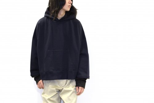 <img class='new_mark_img1' src='https://img.shop-pro.jp/img/new/icons47.gif' style='border:none;display:inline;margin:0px;padding:0px;width:auto;' />no. / STA LAYERED HOODY(NAVYxBLACK)