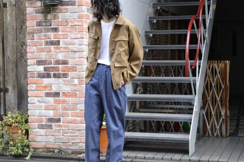 <img class='new_mark_img1' src='https://img.shop-pro.jp/img/new/icons2.gif' style='border:none;display:inline;margin:0px;padding:0px;width:auto;' />ATHA / FAKE SUEDE FIELD JACKET(BEIGE)