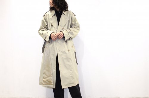 <img class='new_mark_img1' src='https://img.shop-pro.jp/img/new/icons47.gif' style='border:none;display:inline;margin:0px;padding:0px;width:auto;' />stein / LAY OVERSIZED TRENCH COAT(BEIGE)