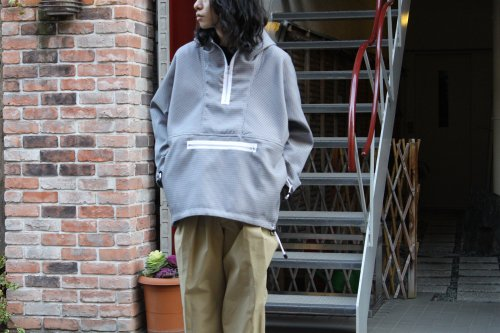 <img class='new_mark_img1' src='https://img.shop-pro.jp/img/new/icons20.gif' style='border:none;display:inline;margin:0px;padding:0px;width:auto;' />ATHA / WO/PL HIGH DENSITY ANORAK PARKA(HOUND TOOTH)