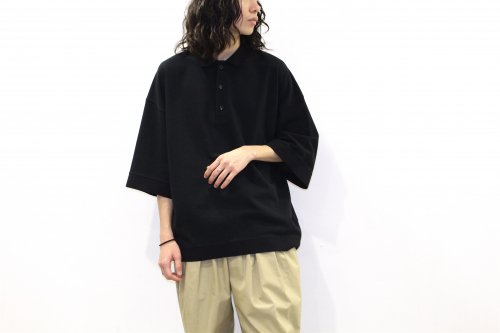 <img class='new_mark_img1' src='https://img.shop-pro.jp/img/new/icons2.gif' style='border:none;display:inline;margin:0px;padding:0px;width:auto;' />VOAAOV / OVERSIZE KANOKO POLO(BLACK)