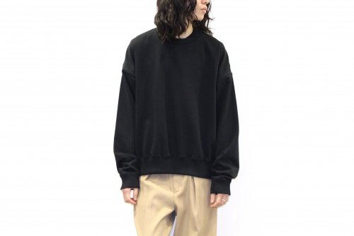 <img class='new_mark_img1' src='https://img.shop-pro.jp/img/new/icons2.gif' style='border:none;display:inline;margin:0px;padding:0px;width:auto;' />YOKE / OVERSIZED PIPING SWEAT(BLACK)