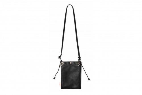 <img class='new_mark_img1' src='https://img.shop-pro.jp/img/new/icons47.gif' style='border:none;display:inline;margin:0px;padding:0px;width:auto;' />nunc / Leather Pouch(BLACK)