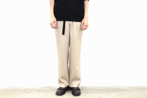 <img class='new_mark_img1' src='//img.shop-pro.jp/img/new/icons47.gif' style='border:none;display:inline;margin:0px;padding:0px;width:auto;' />Blanc YM / S/W Royal Easy Pants(BEIGE)
