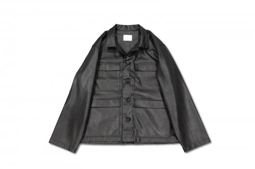 <img class='new_mark_img1' src='https://img.shop-pro.jp/img/new/icons47.gif' style='border:none;display:inline;margin:0px;padding:0px;width:auto;' />ATHA / FAKE LEATHER FIELD JACKET(BLACK)