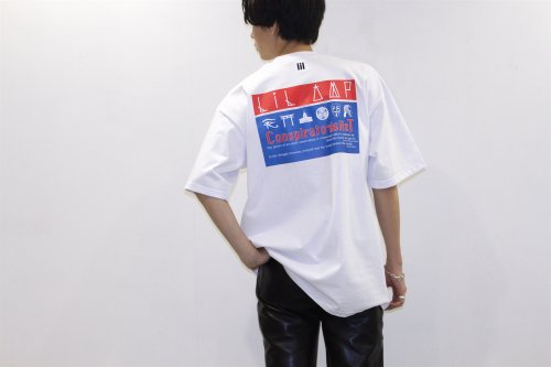 <img class='new_mark_img1' src='https://img.shop-pro.jp/img/new/icons2.gif' style='border:none;display:inline;margin:0px;padding:0px;width:auto;' />lil / OVERSIZE HORUS TEE(WHITE)