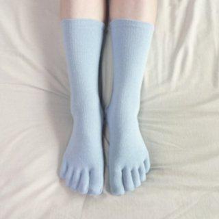 つむぎシルク(絹紬糸)のしっかりふんわり五本指靴下 ブルー