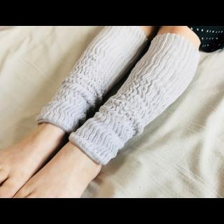 絹糸屋さんの『早く寝たい夜に。』シルクレッグウォーマー 〜つむぎシルク・絹紬糸〜|ライトグレー