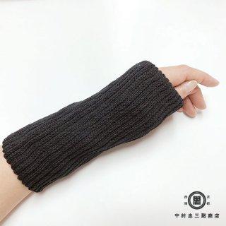 絹糸屋さんの『はずすに、しのびない。』シルクマルチウォーマー 〜つむぎシルク・絹紬糸〜|ブラック