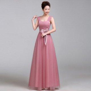 ピンクの透け感シフォン袖とリボンがフェミニンなナイトドレス