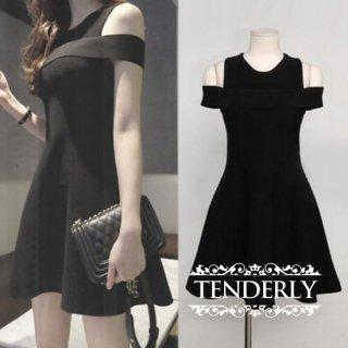 トレンドのオフショルデザインが目を惹くキャバドレス