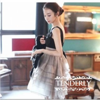 シフォンスカートがフェミニンでキュートなキャバドレス
