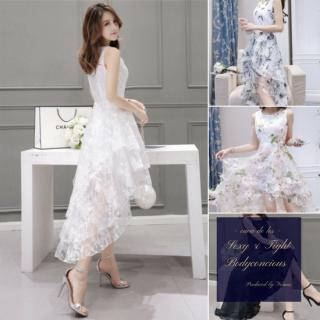 フリル×シースルーのフィッシュテールスカートがゴージャスな花柄ドレス
