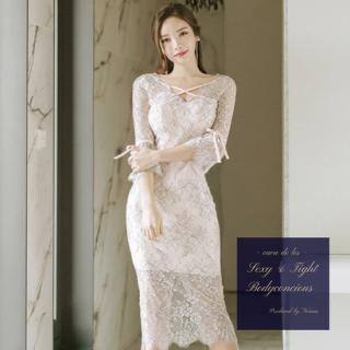 リボン&袖フリルがフェミニンな花柄刺繍のシースルーキャバドレス