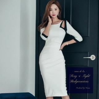 ブラックラインのチラ魅せデザインがスタイリッシュなタイトドレス