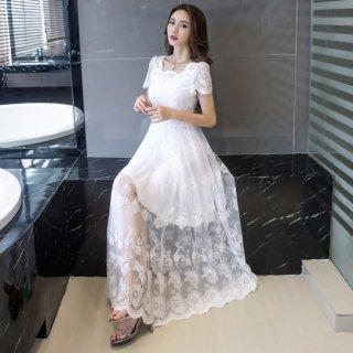 大判の花柄刺繍レースが魅力的なAラインロングドレス